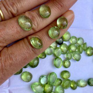 Afganistan peridot #cabochon #gemstones #jewelry #jewelsaddict #colorsaddict #shoponline🛍 #ecommerce #newcollection #comingsoon‼️ #monicagjewels🍇🍎🍓🍒🥕 #ilovemyjaipur🌼